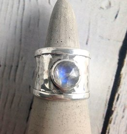 Sterling Silver Wide Hammered Band Ring with bezel-set Labradorite, Size 8