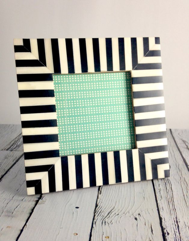 Medium Black & White Striped Frame