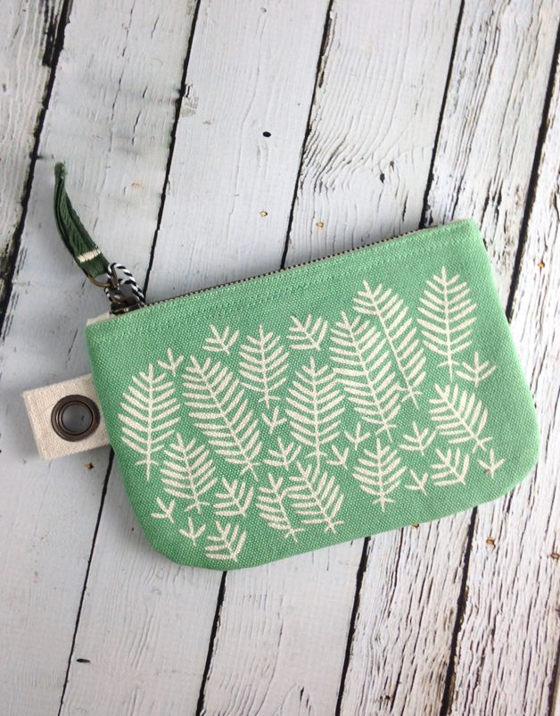 Hill and Dale Small Zip Pouch