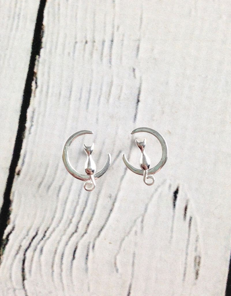 Sterling Silver Cat Silhouette in Crescent Moon Stud Earrings