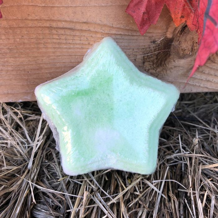 Green & White Star Cucumber Melon Bath Bomb
