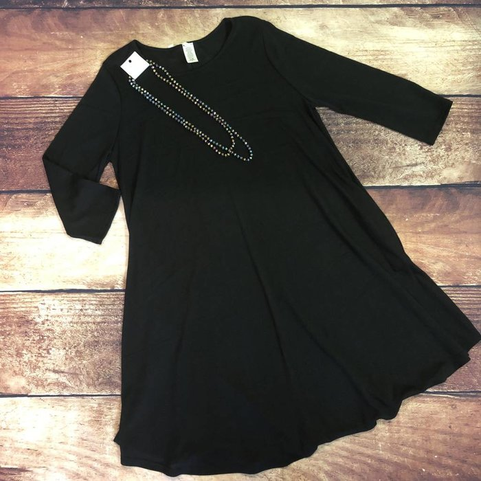 Plus Solid Black 3/4 Sleeve Dress w/Pockets