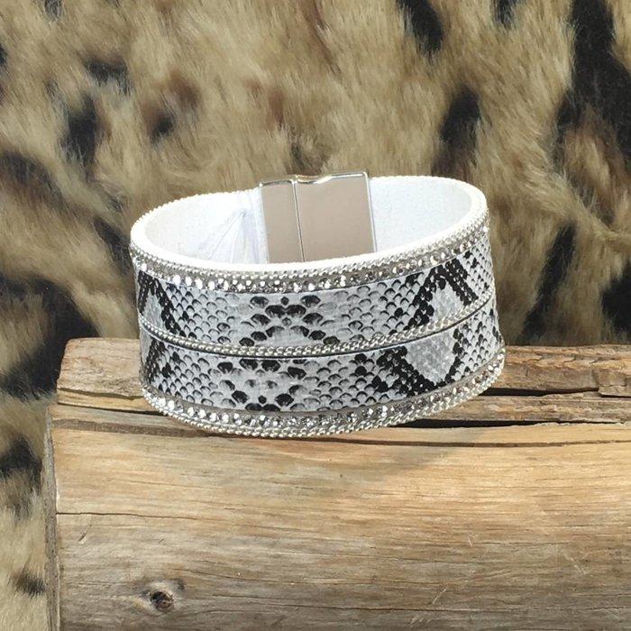 White Snakeskin Magnetic Bracelet