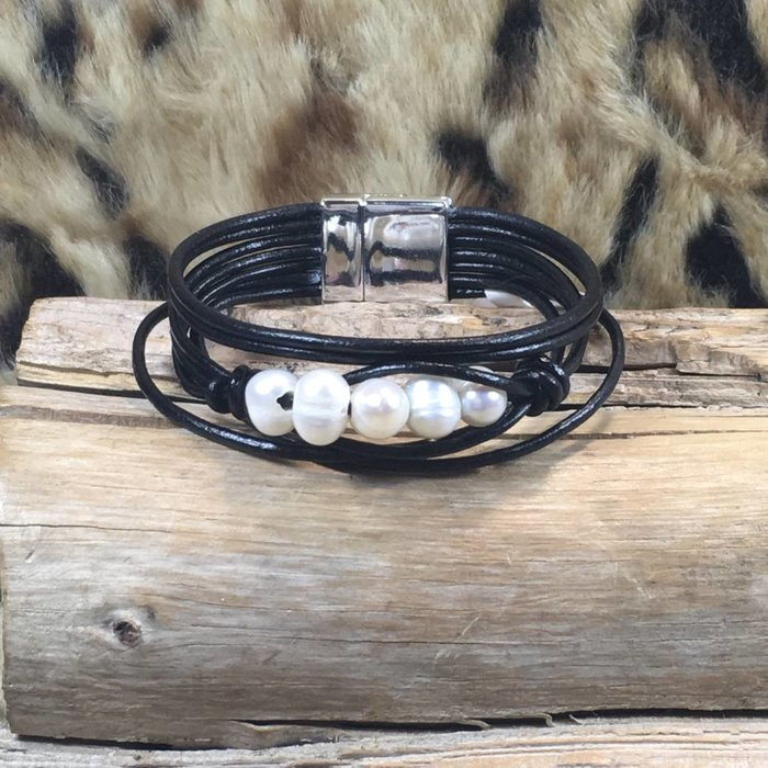 Black Leather Strapy Pearl Bracelet