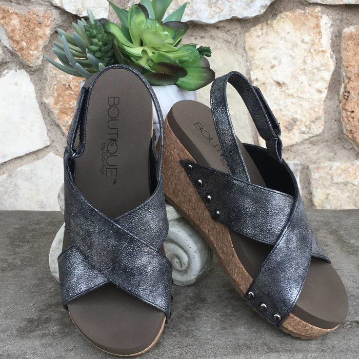 Teresa - Black Wedge Shoes