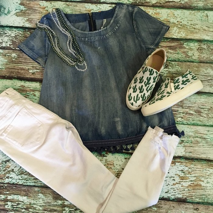 Short Sleeve Acid Wash Bottom Tassel Denim Top