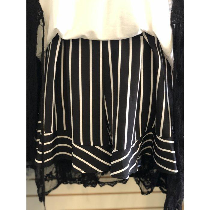 Black Striped Flutter Shorts w/Pocket