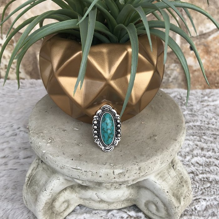 Turquoise Western Oval Shaped Ring