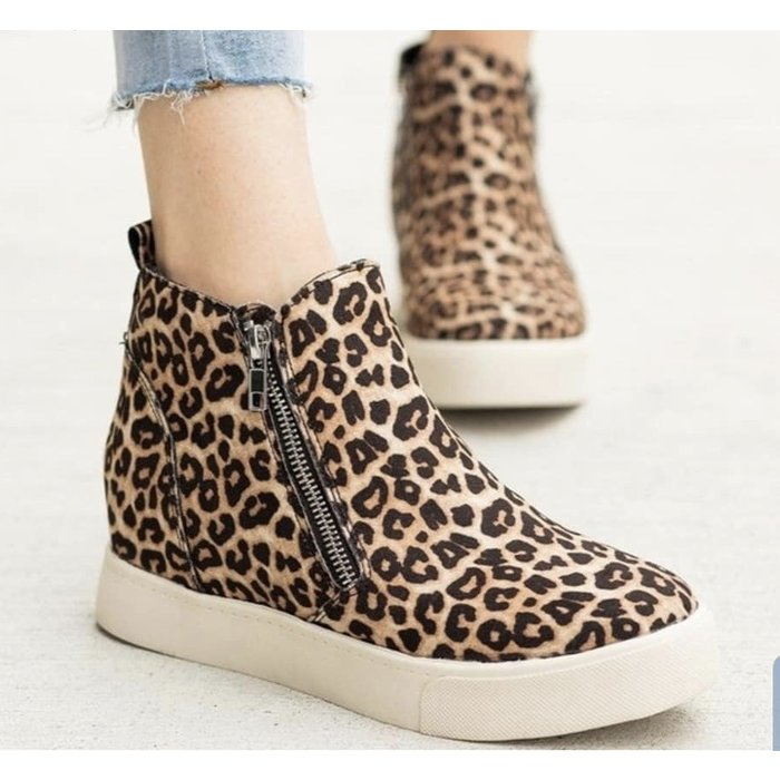 Taylor Oatmeal Cheetah Wedge Sneaker