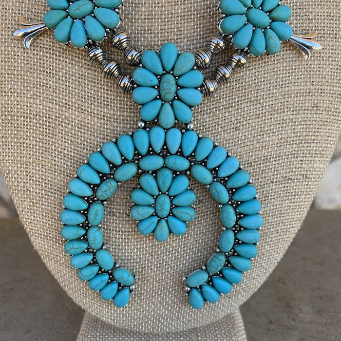 Turquoise Squash Necklace Set on Chain