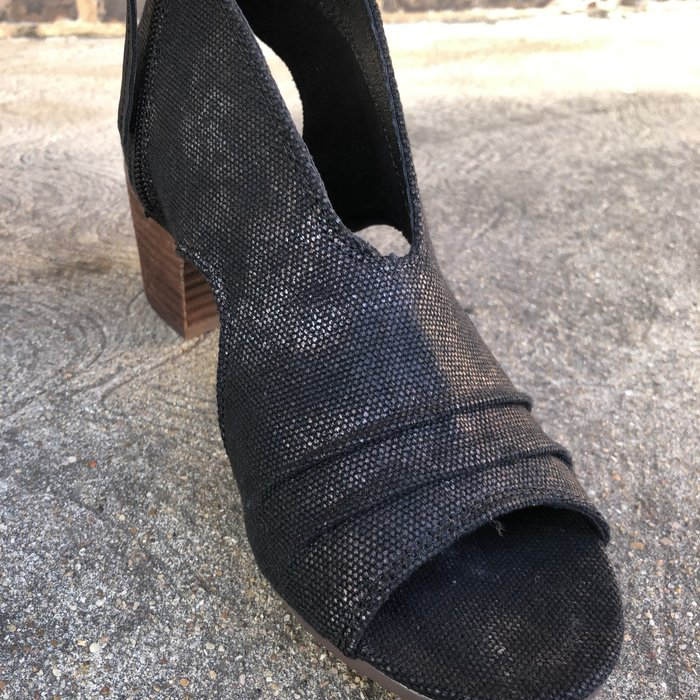 Very G Black Sissy Peep Toe Shoe