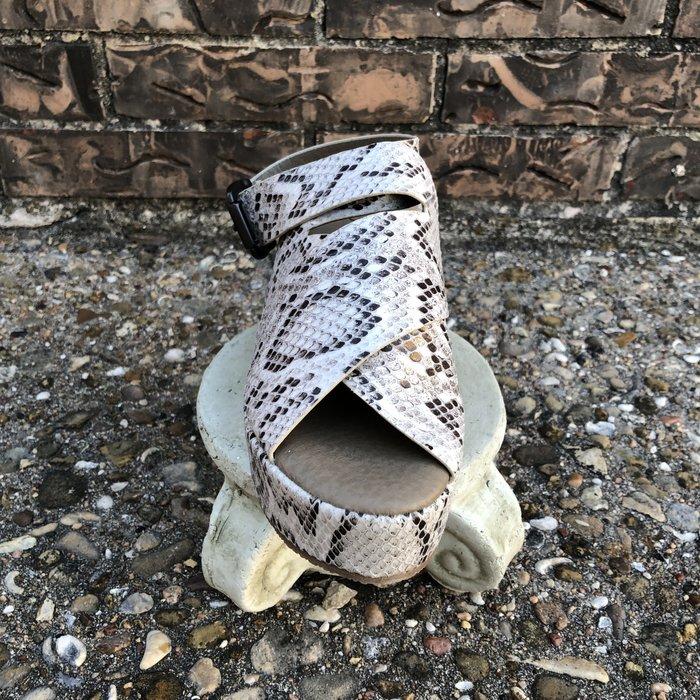Marseille - Black/White Snake Sandal