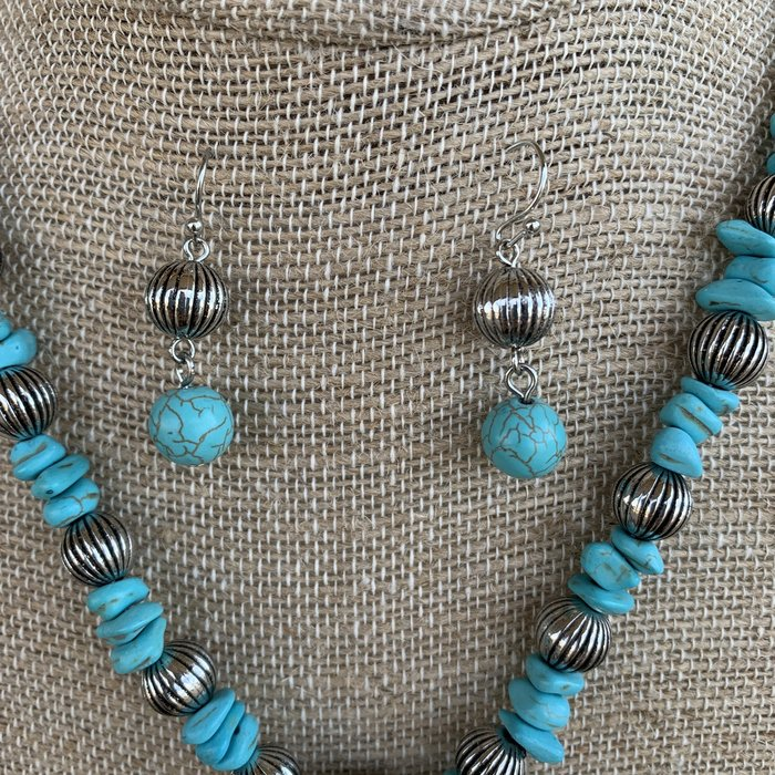 Silver Bull Skull Charm Turquoise Necklace Set