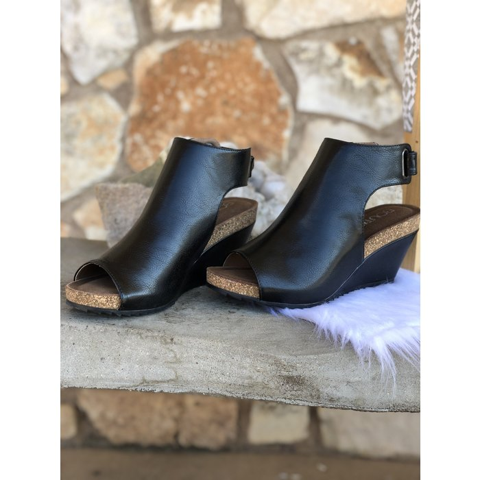 Calypso Black Smooth Wedge Shoe