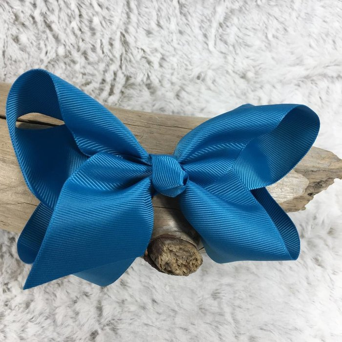 Medium Dark Turquoise Bow