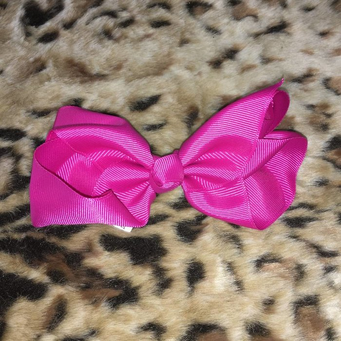 Medium Hot Pink Bow