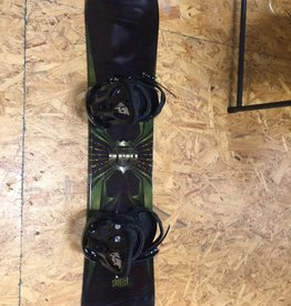 CONSIGN Youth 5150 Snowboard w/ Burton Freestyle Bindings 118cm 6-8