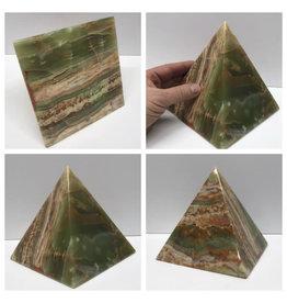 Onyx Pyramid 6in