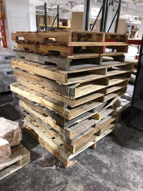 Wooden Pallets (10 pieces)