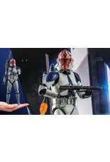 Sideshow Collectibles 501st Battalion Clone Trooper (Deluxe) Sixth Scale Figure - Star Wars: The Clone Wars