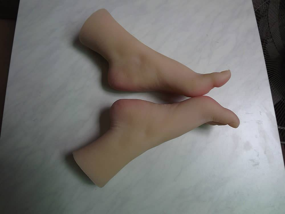 Silicone Feet With Calf Bone Female Pair