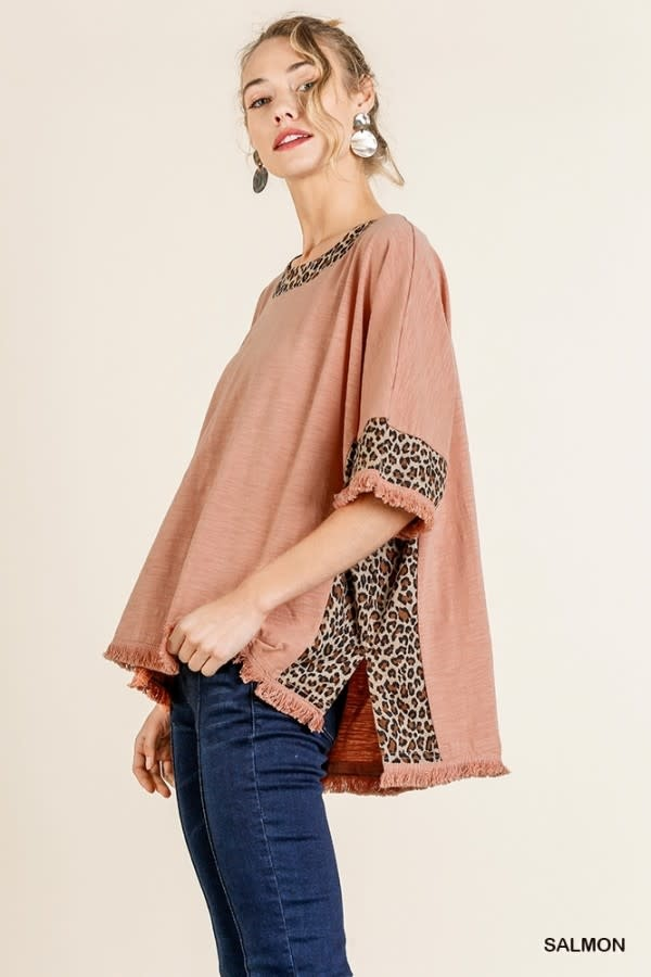 UMGEE UMGEE TOP WITH LEOPARD PRINT DETAIL