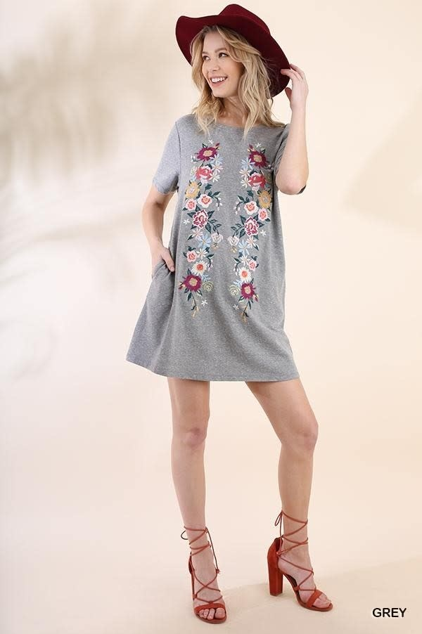 UMGEE UMGEE EMBROIDERED KNIT SHORT SLEEVE DRESS