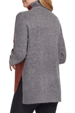 TRIBAL TRIBAL TURTLE NECK COLOR BLOCK SWEATER