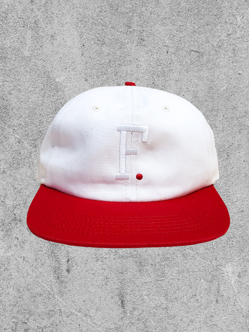 FAMILIA SKATESHOP FAMILIA F. 6 PANEL HAT - OFF WHITE RED