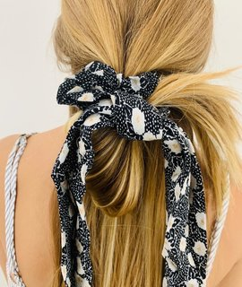 Amuse Society Amuse Society Up and Back Scrunchie