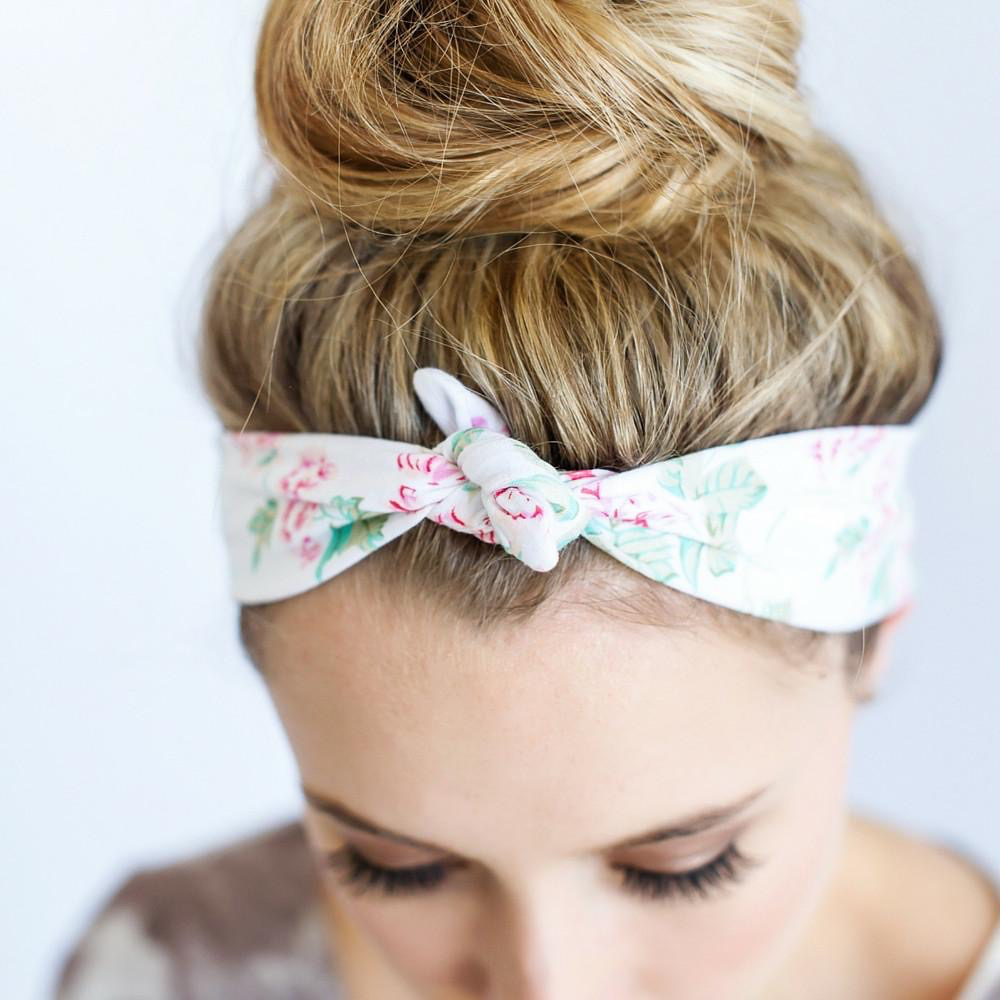 HEADBAND WHITE FLORAL KNOTTED BY HEADBANDS OF HOPE