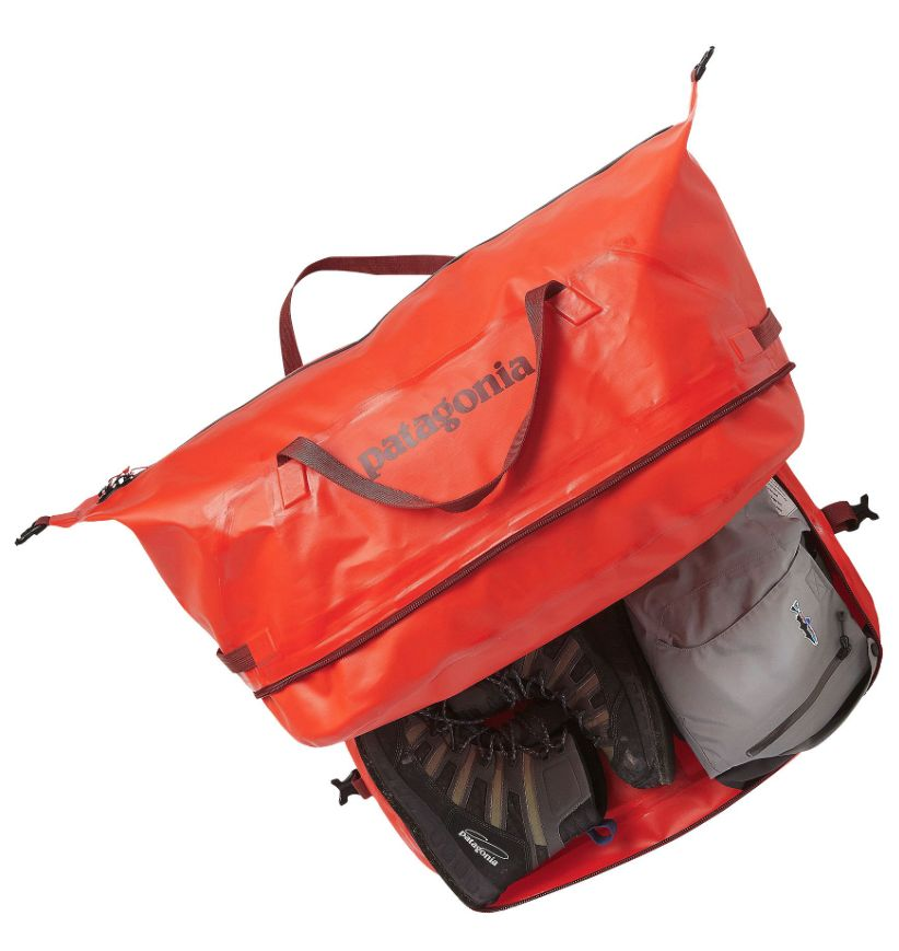 Perfect for river takeouts, surf breaks and trailheads where separating water and gear is mandatory. Welded and highly weather-resistant, this duffel has a floating divider to maximize space where you need it.