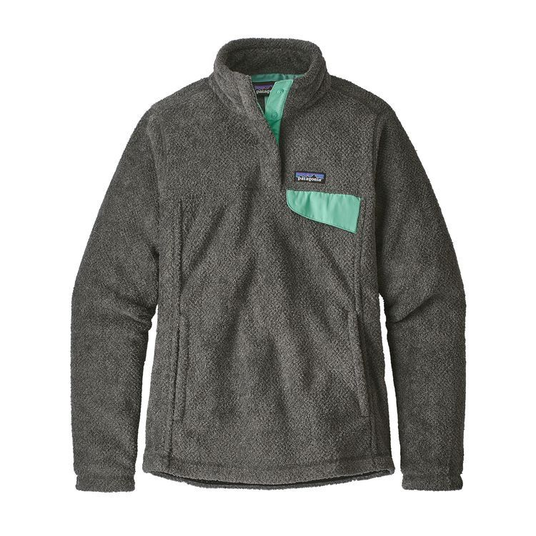 This quintessentially warm pullover has been updated this season with an improved fit and slightly longer length. It still offers a kangaroo handwarmer pocket and is made with Polartec® Thermal Pro® polyester fleece (51% recycled). Fair Trade Certified™ s