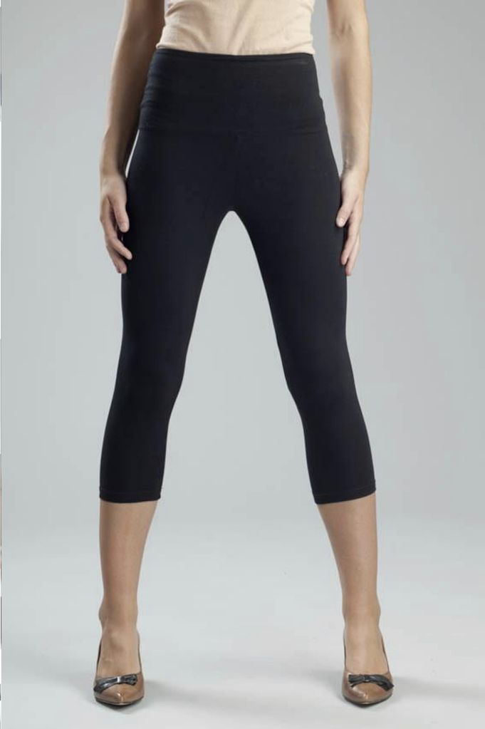 Svelte Basic Capri Leggings