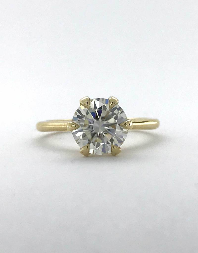 American Jewelry 14k Yellow Gold 8mm (2ct E/F-VVS) Round Hearts & Arrows Moissanite Alternative 6 Prong Solitaire Engagement Ring (Size 6)