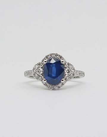 American Jewelry 14k White Gold 2.08ct Oval Blue Sapphire & .65ctw Diamond Ladies Ring (Size 7)