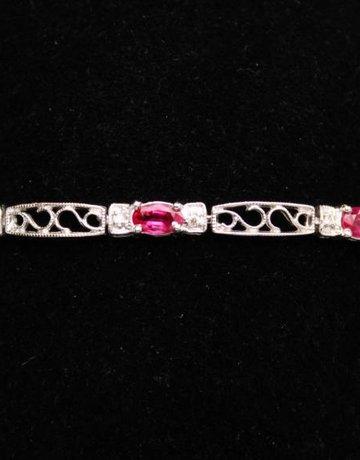 14kw .11ctw Dia 2.28ct Ruby Bracelet