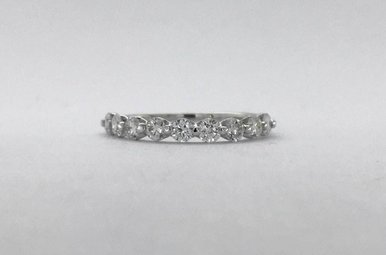 14k White Gold 0.65ctw Diamond Single Prong Stackable Wedding Band Ring (Size 6)