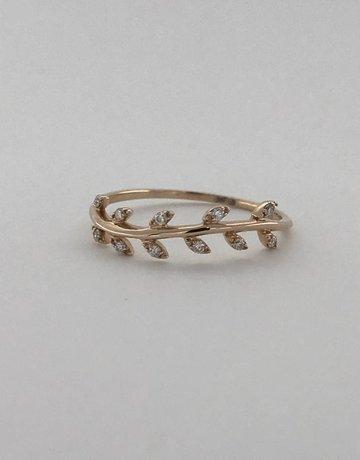 American Jewelry 14k Rose Gold .08ctw Diamond Leaf Wedding Band