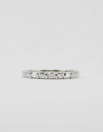 American Jewelry 14k White Gold 1/8ctw Baguette Diamond Ladies Stackable Wedding Band (Size 7)