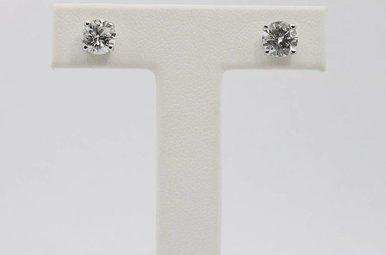 14kw 1.50ctw F-G/I1-2 Round Brilliant Diamond Stud Earrings, Screw Backs