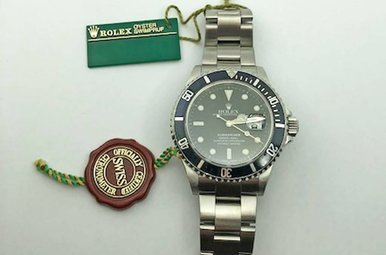 Gents Stainless Steel Submariner Preowned Rolex, Black Dial & Bezel