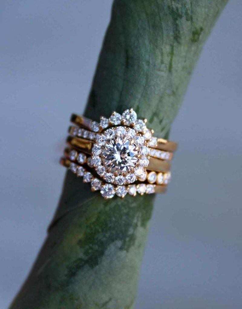American Jewelry 14k Yellow Gold 1.14ctw (0.82ct J/VVS2 Round Brilliant) Diamond Seamless Halo Engagement Ring (Size 6)