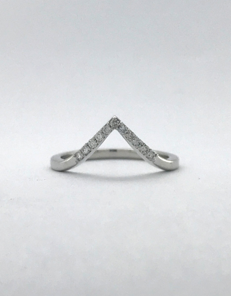 American Jewelry 14k White Gold .11ctw Diamond Triangle Point Contour Stackable Band (Size 6.5)