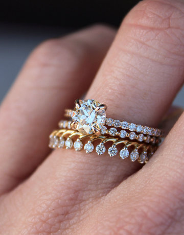 American Jewelry 14k Yellow Gold 1/4ctw  Diamond Crown Stackable Wedding Band (Size 6.5)