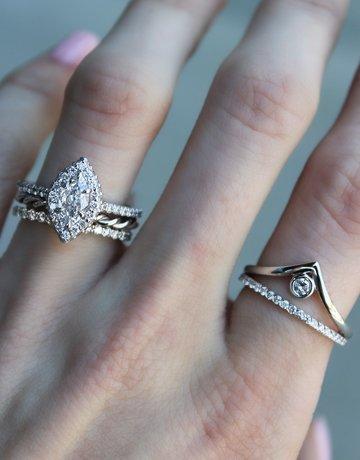 "American Jewelry 14k White Gold 0.10ct Diamond Bezel Set Nesting ""V"" Stackable Ring (Size 6.5)"