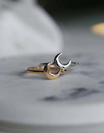 American Jewelry 14k Yellow Gold Polished Crescent Moon Ring (Size 6.5)