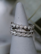 American Jewelry 14k White Gold 0.25ctw Diamond Kite & Round Milgrain Stackable Wedding Band (Size 6.5)