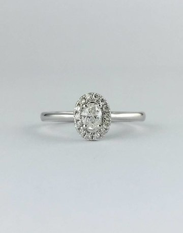 American Jewelry 14k White Gold 3/8ctw Diamond Oval Halo Engagement Ring