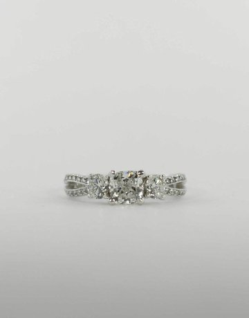 American Jewelry PLAT 1CT-CU GIA G/SI1 1.86CTW SCOTT KAY ENGAGEMENT RING WITH CUSHION CENTER & .86CTW WHITE & YELLOW ROUND BRILLIANTS